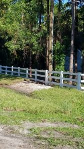 South Florida Vinyl Fence Installation, Design, and Repair | CPM Services
