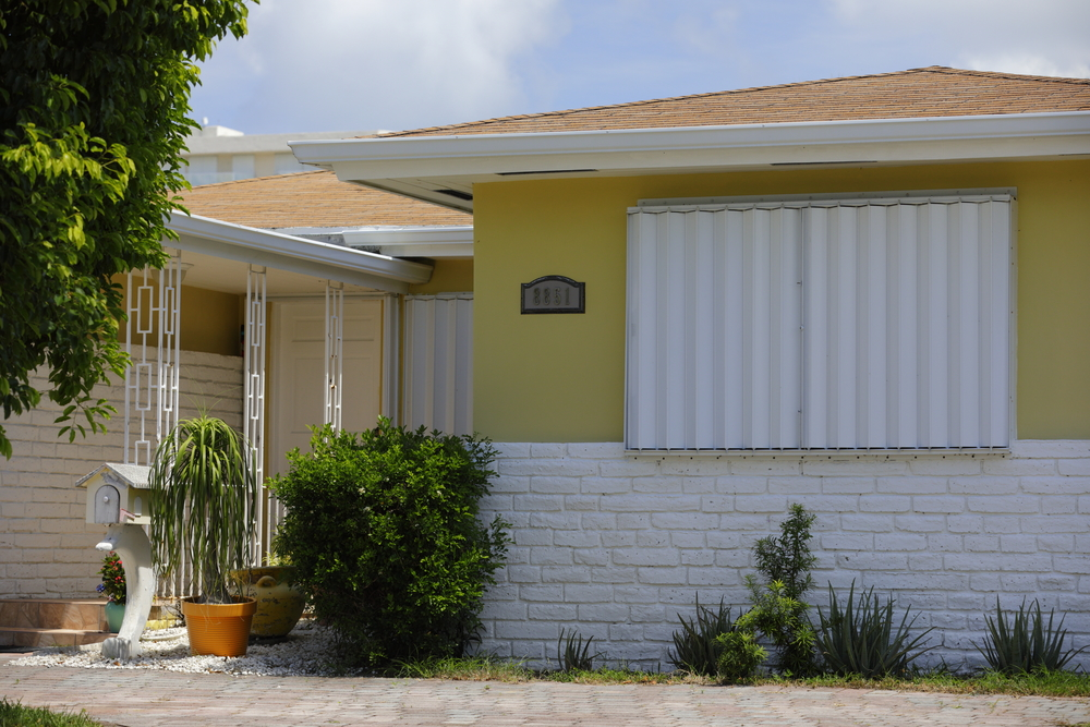 Hurricane Shutter Installation And Removal In South